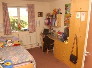 gold-bedroom2