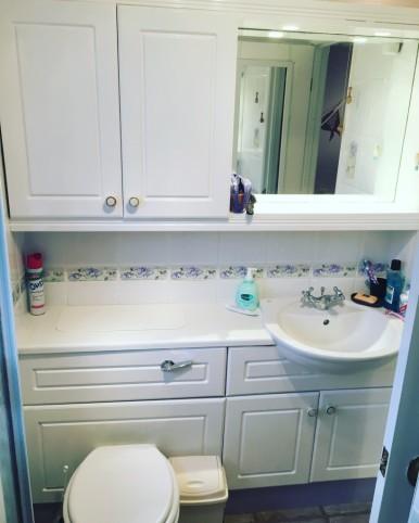 student-room-tour-bathroom